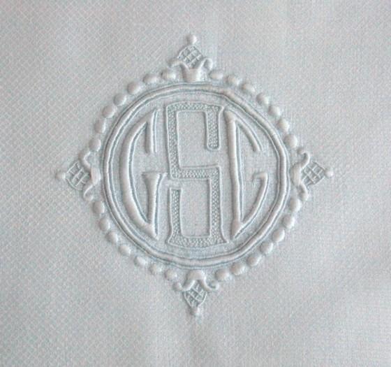 cung-tim-hieu-monogram-la-gi (5)