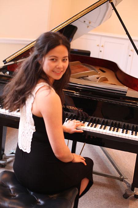 buoi-hoa-nhac-co-dien-cung-nghe-sy-piano-mai-charissa