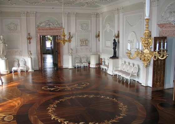 800px-the_white_hall_of_the_gatchina_palace-1