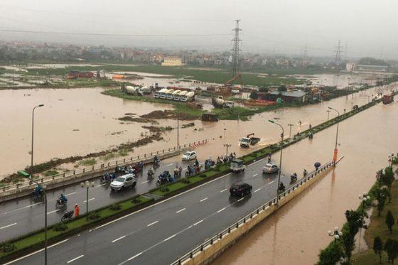 Chân cầu vượt đường sắt Yên Nghĩa - Hà Đông
