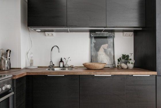 Cận cảnh gian bếp tuy nhỏ nhưng vẫn toàn bộ luôn tiện nghi trong căn hộ.