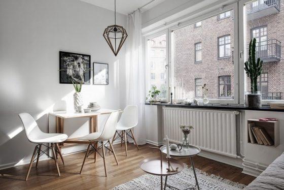 Căn hộ được sắp xếp 1 ô cửa sổ lớn để đón phổ thông ánh sáng đột nhiên nhất sở hữu thể.