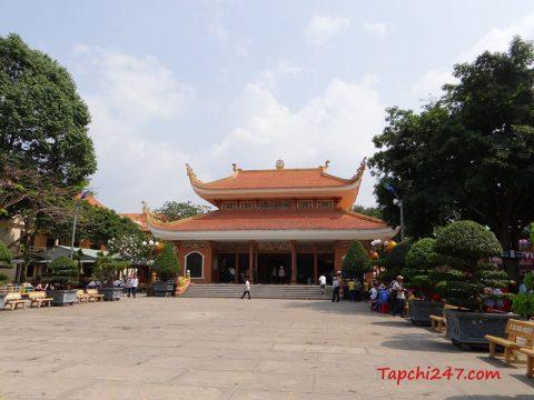 Chánh điện kiến trúc chùa Hoằng Pháp