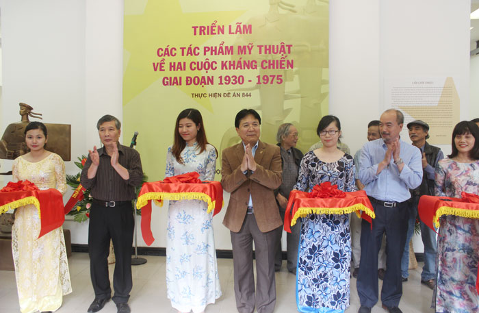 trien-lam-cac-tac-pham-my-thuat-ve-hai-cuoc-khang-chien-giai-doan-1930-1975