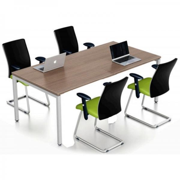 Bàn văn phòng phù hợp không gian nhỏ