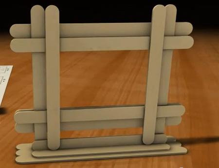 Cách làm khung ảnh treo tường bằng que kem