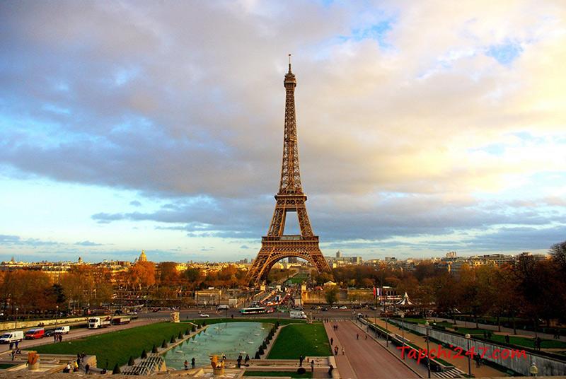 Kiến trúc tháp Eiffel
